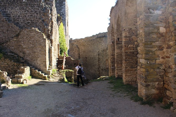 Half day tour to Lastours Castles. From Carcassonne and around., Carcasona, FRANCIA