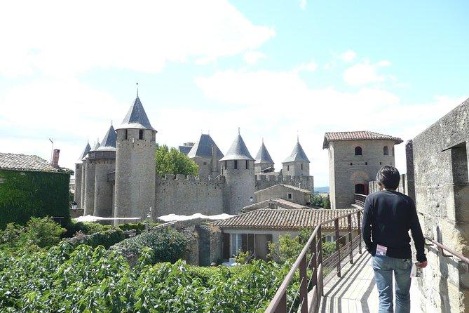 Day Tour: Lastours Catles and Cité de Carcassonne. From Carcassonne and around., Carcasona, FRANCIA