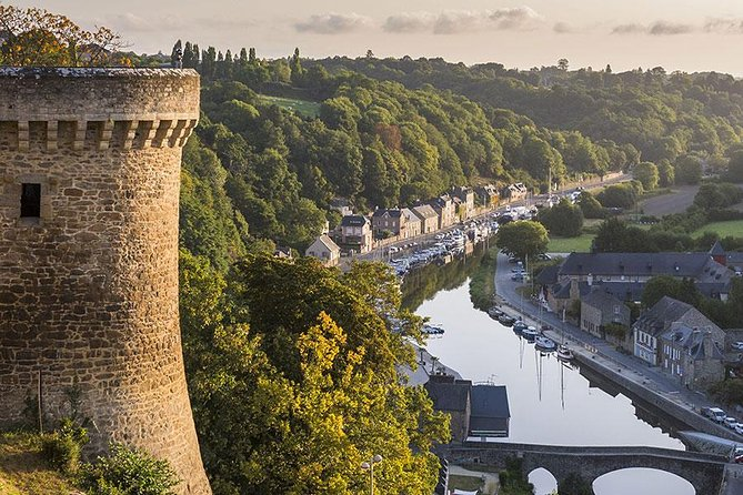Let you drive and travel in a luxurious and comfortable minivan Mercedes from Rennes Airport to Dinan. <br><br>Dinan is located <br><br>50 min from <br><br>Rennes Airport. <br><br>For your <br><br>Rennes Airport-Dinan Transfer, our professional english speaking drivers guarantee a <br><br>punctual service available <br><br>7 days a week. <br><br>The price is <br><br>all include for a transfer <br><br>up to 7 people.