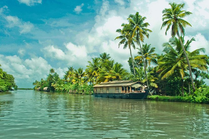 This group tour is specially designed for cruise travelers who dock at Cochin Cruise Port.The itinerary is designed in such a way that it meets your ships arrival and departure time so that you have a worry-free Shore Excursion and we will ensure your timely return to the Cochin port for this activity. Depending on your date of travel, you tour will follow one of the 3 itineraries below.<br><br>Itinerary A :Backwaters by Houseboat & Fishing Nets : Combo Tour Includes Backwater Cruise on Houseboat with Lunch on board and Fort cochin Chinese Nets Sightseeing<br><br>Itinerary B : Backwaters by Houseboat : Tour Includes Backwater Cruise on Houseboat with Lunch on board (Morning Cruise) or Evening Tea/Coffee/Snacks (Afternoon Cruise)<br><br> Itinerary C : Glimpse of Cochin :Sightseeing Tour of Fort Cochin Chinese Nets ,Santa Cruz Basilica ,St Francis Church ,Dutch Palace ,Jew Town ,Jewish Paradesi Synagogue