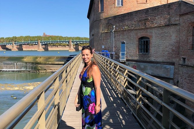 This is the perfect tour for a city break. Toulouse is a wonderfull and vibrant city. This is the best way to discover the city in a short time with a local and guide.<br>Easy walk 2 hours