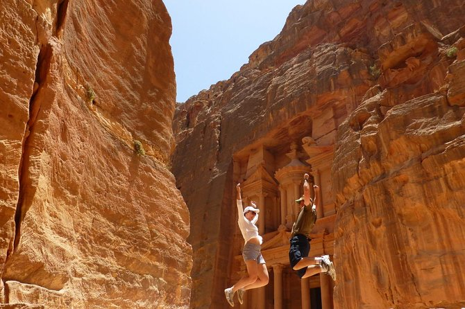 Private Two Day Tour Exploring Petra, Wadi Rum and Dead Sea from Amman, Aqaba, JORDANIA