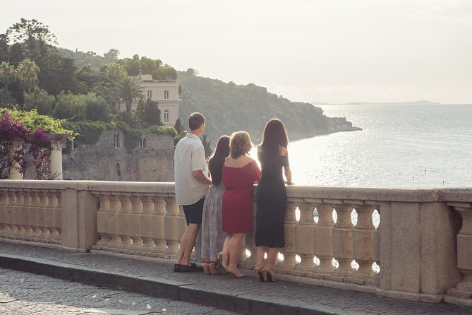 30 Minute Private Vacation Photography Session with Local Photographer in Amalfi Coast, Amalfi, ITALIA