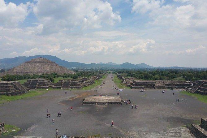 Pirámides de Teotihuacán y Basílica de Guadalupe, Ciudad de Mexico, MEXICO