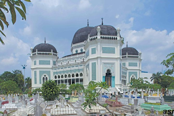 "Our guide will meet you at the hotel or other meeting point as agreed.<br><br>Visit The Great Mosque, one of the Sultan of Deli's legacies constructed in 1906, also the largest and most beautiful mosque in Northern Sumatera with its imposing tiled archway and royal burial ground. <br><br>Visit Sultan's Maimoon Palace"" the ceremonial palace of the Sultans of Deli with its yellow trim & typical east coast Malay architecture with living quarters occupied by the Sultan's families established in 1888 and became the centre of the Deli kingdom. <br><br>Visit Tjong A Fie Mansion; a double-storey mansion in Medan built by Tjong A Fie (1860-1921) a Chinese merchant, the wealthiest resident of Medan at his era. <br><br>Walk to Pajak Ikan Lama market, selling a large selection of contemporary textiles including batik where local people shop for attire on special occasions such as weddings and Muslim festivals. <br><br>Visit Vihara Gunung Timur being one of the largest Chinese temples in Medan"