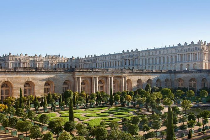 Guided tour of the Palace of Versailles and gardens from Paris by private car, Versalles, FRANCIA