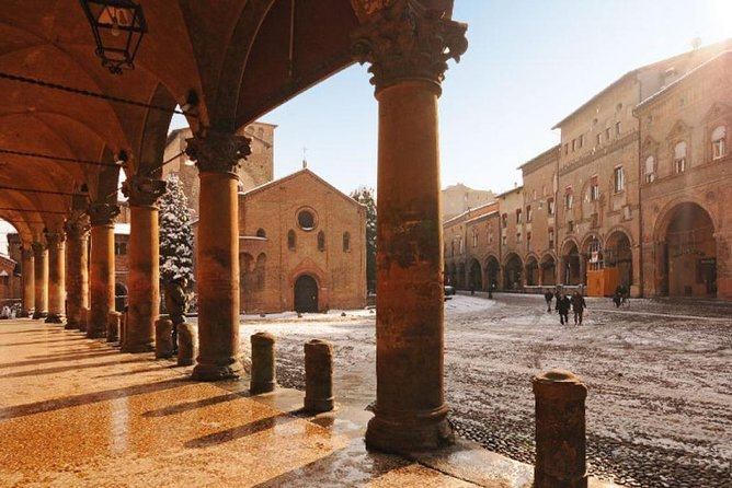 Private Walking tour and Traditional Home Cooking Experience in Bologna, Bolonia, ITALIA