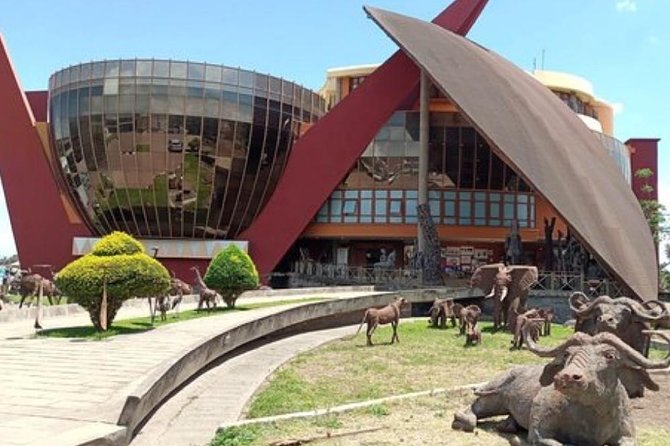 What to Do in Arusha For a Day<br><br>Arusha is safari capital in Tanzania and starting point for Northern circuit safaris. Perhaps you are finished with safari tour and you are left with additional day, otherwise you probably wouldn't be in Arusha. Here are some ideas how to spend a busy 24 hours in Arusha.<br>•Go for Some Shopping in Arusha Shop on Central Arusha Market –It is best to just loose yourself between hustle and bustle.<br>••The Arusha Cultural Heritage Centre is located in Arusha, Tanzania. It is a place where the past and present of the Tanzania's 120-plus tribes can be viewed in a single compound. The centre boasts of various carvings, gemstones, artifacts, clothing and books.<br>••The Arusha declaration museum is a site that showcases the history of Tanzania while under the socialism and self reliance policy as well as the years leadi.<br>••Shanga Gift & Workshop<br><br>Glassblowing is one craft taught at Shanga and the results are impressive. Shanga is true to the sign at the entrance.