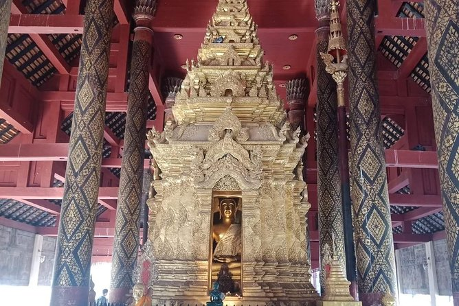 1 day Private Tour to Unseen Temple in Lampang, Chiang Mai, Thailand