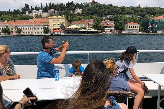 Crucero por el estrecho del Bósforo con visita a la Fortaleza Rumeli o el Palacio Kücüksu, Estambul, TURQUIA