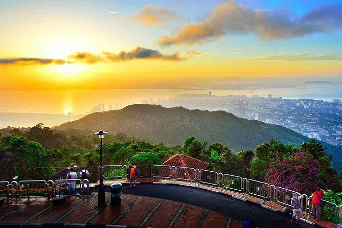 Explore the Penang city which is rich in history as it is in culture, tradition and diversity by Penang City Tour. Visit Wat Chayamangkalaram Temple, Dhammikarama Burmese Temple, Streets of George Town - UNESCO World Heritage Site. Then proceed to Penang Hill and visit Kek Lok Si Temple, Guan Yin.<br>- Harmonious temple bestowed with gifts from Chinese emperors<br>- Picturesque funicular train ride to the top of Penang Hill<br>- Spectacular views of Georgetown & roundtrip transportation<br>- Relaxing environment at 2,700 feet (833 m) above sea level<br>- Chance to view the largest Buddhist temple in Southeast Asia