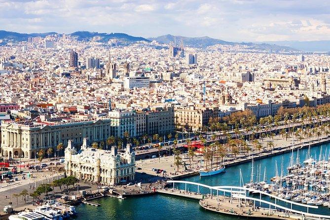 Recorrido para grupos pequeños por la Sagrada Familia de Barcelona y Montserrat con recogida en el hotel, Barcelona, ESPAÑA