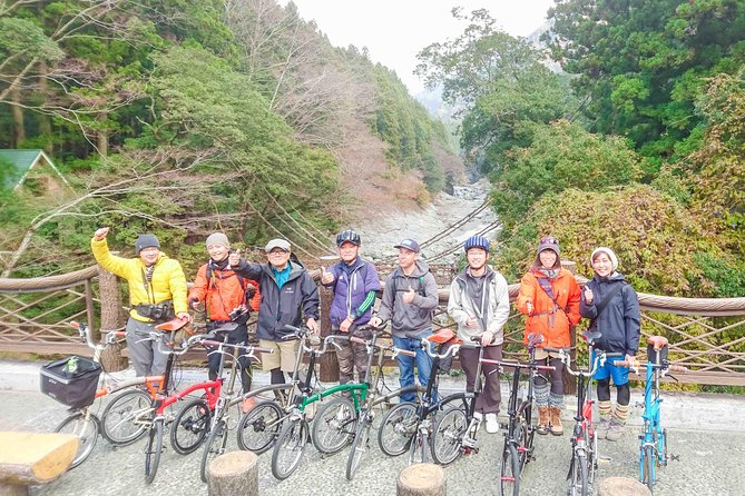 This tour lets you experience the beauty of the hidden Iya Valley at first hand through the magic of the Brompton bicycle.<br><br>After meeting in Awa-Ikeda, take the train to Oboke Station. While waiting for the bus at Oboke Station, check out the interesting shops. Then take a bus to the Iya Valley vine bridge. Near the vine bridge, you can see the beautiful Biwa Waterfall and go down to the Iya River.<br><br>From there, ride on the old road along the valley beside the emerald green Iya River. The beauty and grandeur of the ever-changing valley makes you forget your everyday life. Points of interest include the Hi no Ji Bend, and the Peeing Boy standing on a 200 m-high precipice. The Iya Valley road runs gently downhill for most of the way, so no special physical prowess is required. The rest area has a fine view, perfect for Instagram.<br><br>Enjoy the charm of the Iya Valley which can't be experienced fully by car.