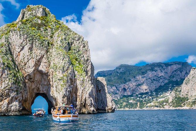 Capri Private Boat Tour from Sorrento, Positano or Naples - Gozzo Jeranto 750, Sorrento, ITALIA