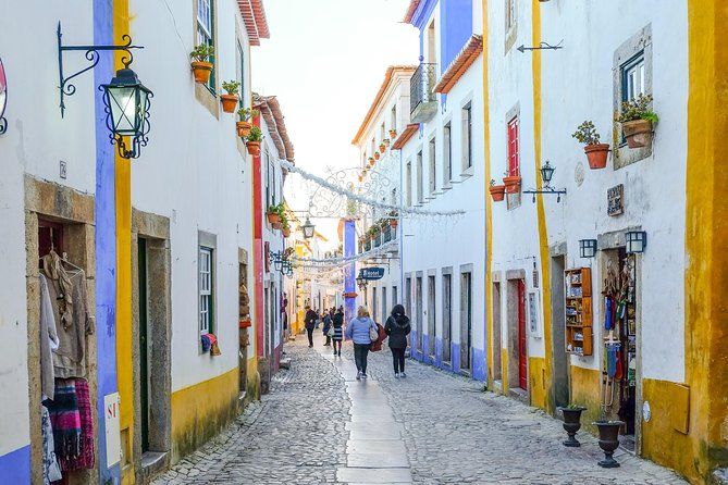 Perfect getaway from Lisbon. Visit Fátima, one of the most spectacular Catholic sanctuaries in the world. Head to the breathtaking views of Nazaré and be admired by the size of the waves and the courage of the surfers. Finish your day in the fairy-tale town of Óbidos sipping a glass of Ginjinha.