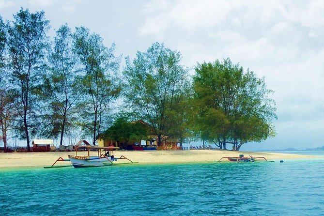 Embark on a tropical experience to discover Gili Nanggu,Gili Kedis, Gili sudak,Gili Trawangan,Gili Meno & Gili Air six different islets in Lombok using a motorized outrigger boat. Allowing you to experience three islets in the northwest and another three in the southwest of Lombok; this 3-day trip provides you leisure days on beautiful sandy beaches with crystal clear waters, colourful coral reefs and some of the best snorkelling spots in the area – perfect for those who love relaxing on the beach, sunbathing and snorkelling.<br><br>this trip departs from Bali, and has been packed neatly including guides in lombok who are ready to help you so that you visit many good snorkeling spots in lombok. From Bali you will take a 4 hours on slow Ferry Boat to Lombok and from Gili Trawangan back to Bali will take a 90-minute Fast boat ride , and we will take you back to your hotel in Bali after arriving from Lombok.