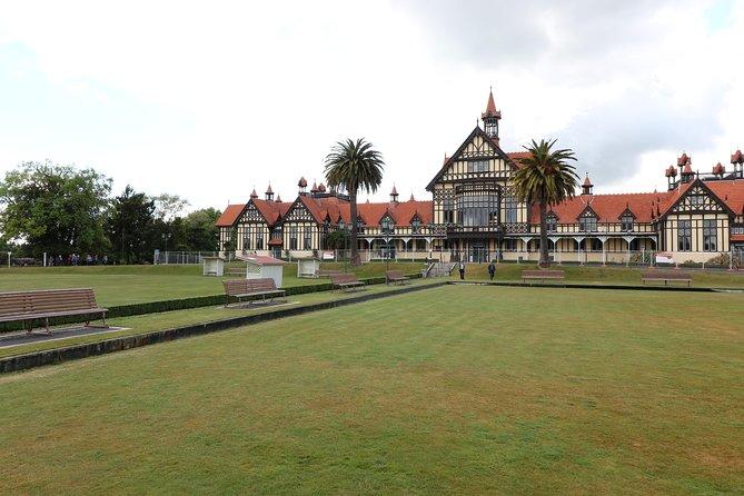 Escapada de un día a Hobbiton, Rotorua y las cuevas de Waitomo en minibús de lujo desde Auckland, Auckland, NUEVA ZELANDIA