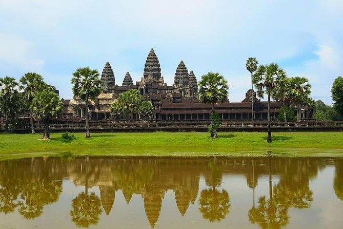Bangkok - Siem Reap standard hotel - Floating village at Tonle Sap Great Lake, Angkor Wat, Angkor Thom Complex Bayon and Ta Prohm