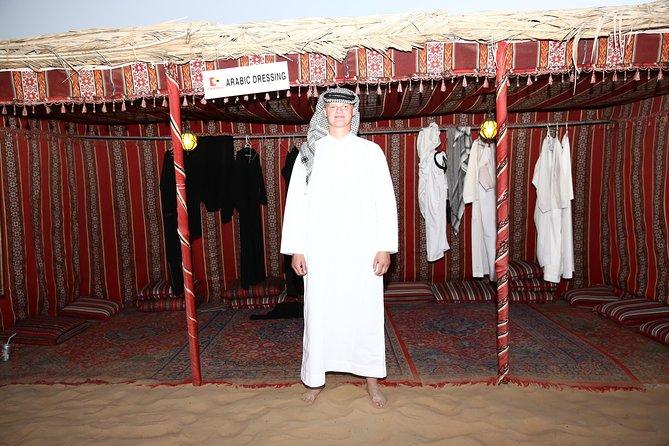 Safari por el desierto por la tarde con cena de barbacoa, pintura con henna, paseo en camello y danza del vientre, Abu Dabi, EMIRATOS ARABES UNIDOS
