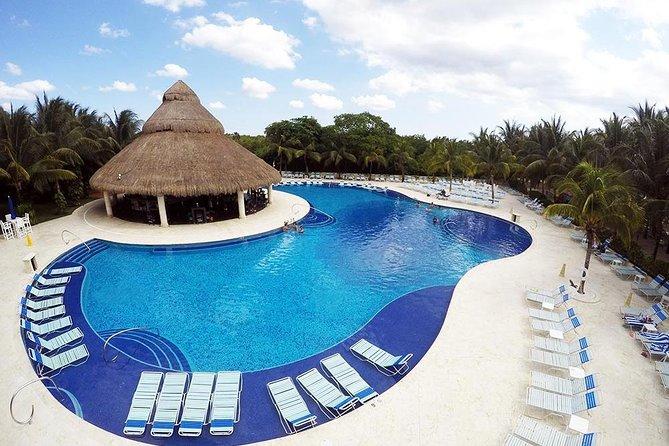 Cozumel Shore Excursion: Paradise Beach Club All-Inclusive Day Pass, Cozumel, Mexico