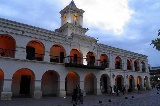 Visita turística por la ciudad de Salta, Salta, ARGENTINA