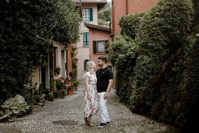 120 Minute Private Vacation Photography Session with Local Photographer in Lake Como, Lago Como, Itália