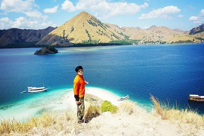 Our journey today is Half day tour to see Komodo Dragon in Rinca island is one the largest living lizard on the earth . Our sharing tour guide and the ranger will accompany you to discover the fantastic flora and fearsome fauna live on the Island. Fly from Bali to the green Island of Flores, arrive at Labuan Bajo Airport and then transfer to the harbor for cruising to the Rinca Island to embark on an exhilarating hike. Here you go, see the wild Komodo Dragons and gain fascinating insight into their behavior and physiology from your naturalist guide. Snorkel in the crystal-clear waters surrounding Kelor Island and Menjerite island to conclude your trip for the day before transfer to Labuan Bajo to overnight at Hotel. watching sunset view at Kalong (Flying Foxes) Island ,see the taller trees surrounded by dense mangrove. At dusk, the sight of thousands of bats leaving their roost and heading for their feeding grounds is a magnificent spectacle.<br>