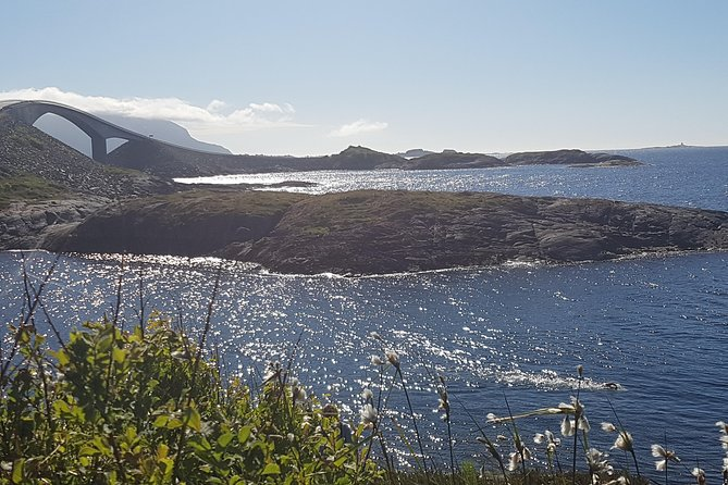 Thrilling Atlantic Road trip with hiking, beach and driving, Alesund, NORUEGA