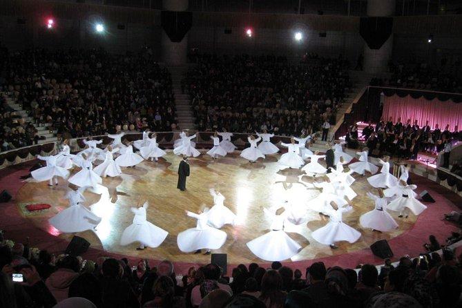 Espectáculo de derviches giradores en Estambul, Estambul, TURQUIA