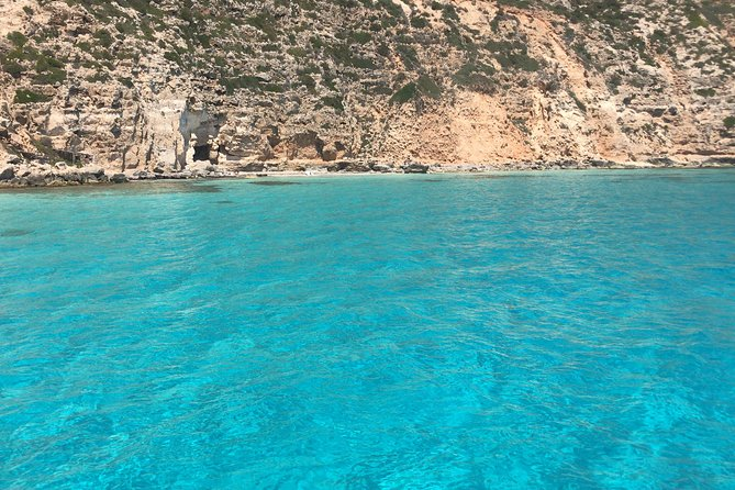 Navegación en catamarán desde Ibiza a Formentera y de vuelta a Ibiza para disfrutar de una travesía de un día, Ibiza, ESPAÑA