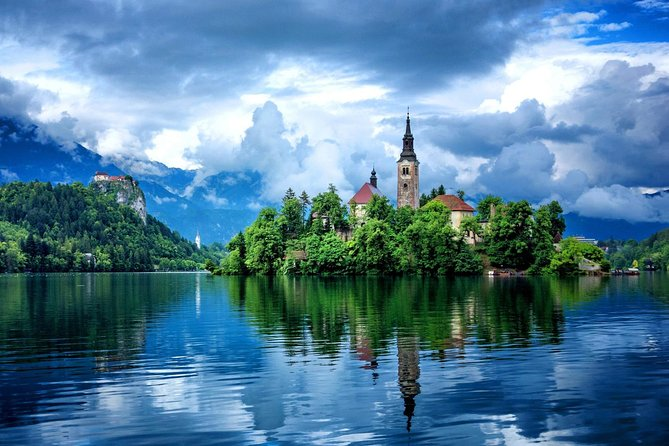 Experience The Most of Slovenia Within One Tour<br><br>Join us on this small group shore excursion journey to amazing Alpine pearl Lake Bled and Europes green capital Ljubljana in a comfortable, clean, air conditioned up to date peoples carrier/van for up to 7 persons max.<br><br>This is definitely one of the best options to experience Slovenia<br><br>Warm welcome to Slovenia<br><br>Highlights: <br>- Small Group Tour (up to 7 persons max)<br>- Experience Lake Bled and Ljubljana at Your Own Pace<br>- Comfortable, Clean and Air- Conditioned up to date cars/vans<br>- Foodie Insiders- We Know Where to get Local Food at its Best