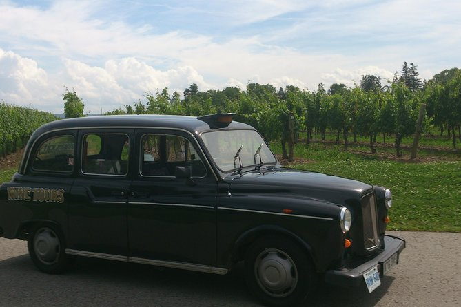 Niagara-on-the-Lake Wine Tour with Lunch -Private Tour in Classic English Cab, Cataratas del Niagara, CANADA