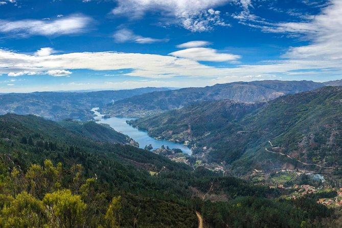 Caiaque e cachoeiras no Parque Nacional com almoço incluído, Oporto, PORTUGAL
