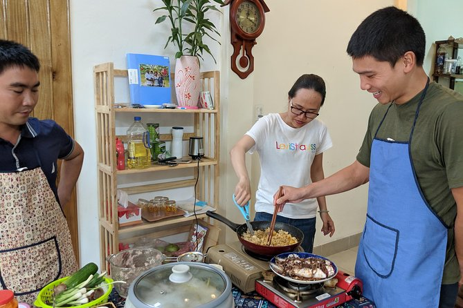 Visit local market, join cooking class of Hue foods & have dinner with my family, Hue, VIETNAM