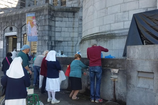 Private Guided History tour of Lourdes, Lourdes, FRANCIA