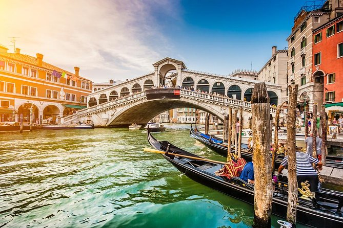 Venice – the city of canals is the most romantic and one of the most fameous cities in the world. You<br><br>will never forget the visit of the lovely squares, canals, bridges and amazing palaces. It will remain in<br><br>your mind forever.
