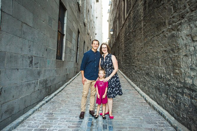 30 Minute Private Vacation Photography Session with Photographer in Montreal, Montreal, CANADÁ