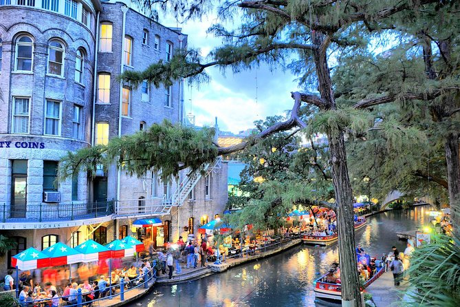 MÁS FOTOS, San Antonio River Walk Cruise, 3-Day Hop-On Hop-Off Bus Pass and Tower of the Americas