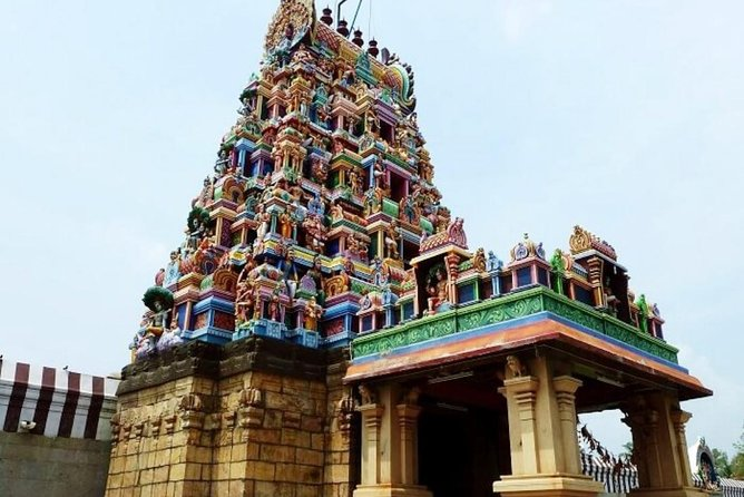 Marudamalai Subramaniyaswami Temple considered as the Seventh House of Lord Murugan,<br><br>Pateeswarar Temple is associated with Lord Shiva, he known as 'Patteeswarar', he is the presiding deity of this temple together with his consort Parvati, who is known as 'Pachainayaki'. The deity is believed to be 'Swayambu Lingam' (self emerged), <br><br>Lord Vinayaga symbolises Ohm Pranav manthara is a presiding deity of Eachanari Vinayagar Temple,<br><br>The Koniyamman temple situated in the heart of the city, is built by a leader of a small cult Known as 'IRULAS' Six hundred years ago. The small village was also named as 'COVANPUTHUR' after the leader of this group. Whose name was 'COVAN' According to the 'Cholan Poorva Pattayam' in the Madras oriental Manuscript library.<br>