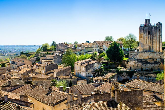 Discover the medieval village of Saint Emilion with a certified guide. This beautiful hilltop village will enchant those of you that are fond of old stones and heritage. The highlight of your tour will be a visit of the underground monuments that include the Monolithic Church (entrance fee not included) that was completely carved out from the limeston cliff between the 8th and 12th centuries.