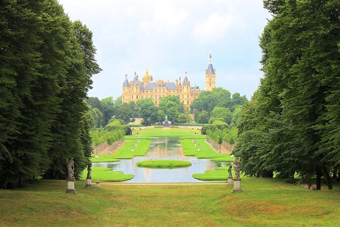 Schwerin Walking tour with Palace & Cathedral, Rostock, GERMANY