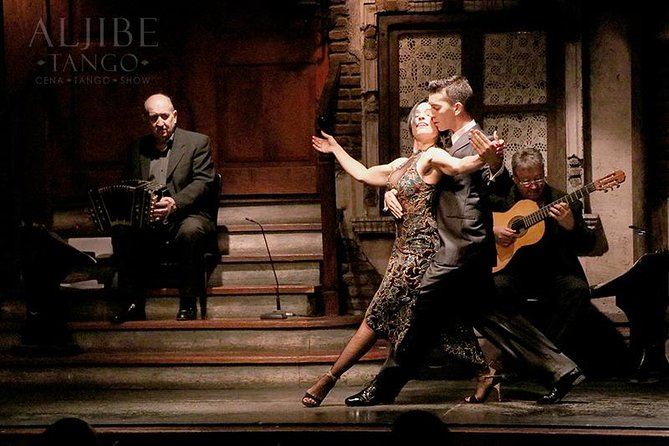Enjoy the best tango show in Buenos Aires by starting it the right way!   <br><br>Due to the traffic in our city most of the show transfers get delayed, but with your own private transfer from your hotel or apartment to the show you will be arriving on time to enjoy a perfect evening by stepping in the right direction from the get go! <br><br>The tango show is located In the historical center of the city and your private transfer can pick up you from Palermo, Recoleta or Puerto Madero amongst others neighborhoods.