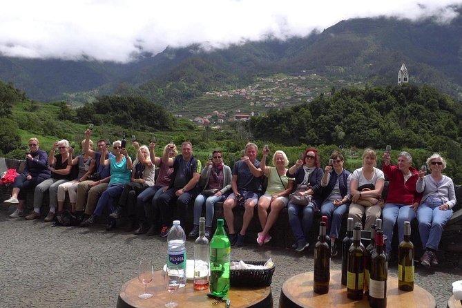 Skywalk y recorrido por los viñedos con cata de vinos profesional en 4x4 sin techo, Funchal, PORTUGAL