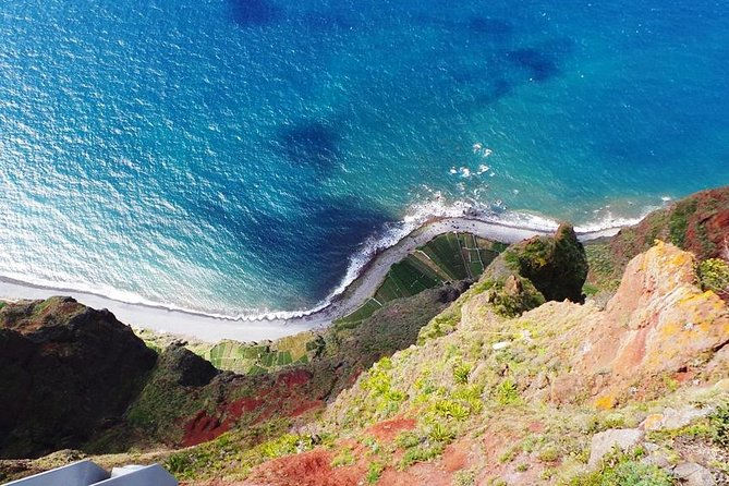 Impresionante recorrido en 4x4 descapotable hasta un mirador panorámico, un desfiladero y los valles, Funchal, PORTUGAL