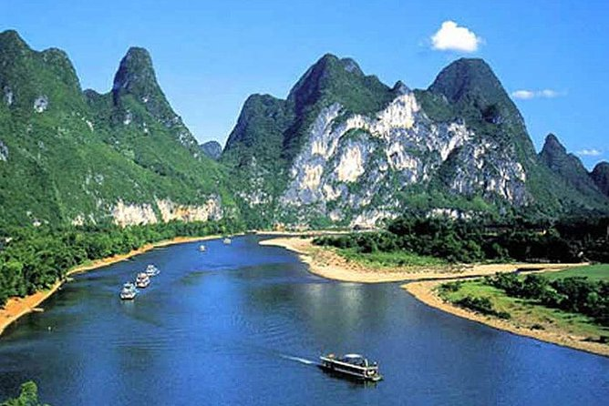 Take a day trip from Guilin along the impressionable Li River, twisting and turning through lush Chinese landscape that will have you 'snap happy' with the camera for the majority of the sightseeing tour! After some local, fresh catches for lunch on the way to Yangshuo, you will have the opportunity to indulge in a bit of shopping and maybe pick up some real bargains in pearl and jade, or fine Chinese paintings.