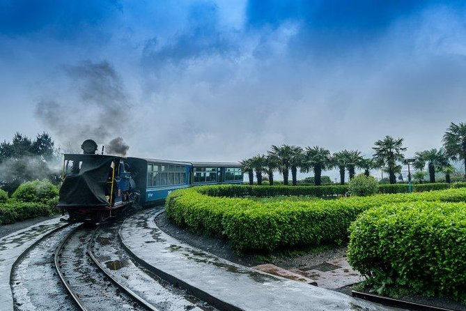 Embark on the journey to beautiful and amazing cities in the north eastern of India. Witness sunrise over Mountain Kanchenjunga, enjoy toy train ride (subject to operation) and visit Zoological Park which breeds the Tibetan wolf in captivity. You will also get change to see the monastery which houses some of the rarest art objects of Buddhist religion.