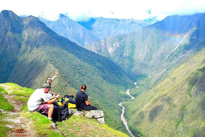 This Tour will be permformed in the Sacred Valley. Located between Cusco and Machu Picchu, this valley is known for its lush landscape, picturesque colonial towns and magnificent Incan fortress. Discover with us this beautiful, charming and historic place. The Short Inca Trail to Machu Picchu is a fantastic option for those who don't have the time or desire to hike the full length of the Inca Trail. With beautiful scenery, a wide variety of flora and fauna on display and a visit to the Inca Trail's most beautiful site (Wiñay Wayna), you get to enjoy the all the best bits of the Inca Trail condensed in to a one day walk. Covering a distance of just 10km / 6.3 miles the 2 day Inca Trail is not too challenging, is perfect for families, friends, students, as well as association or clubs.