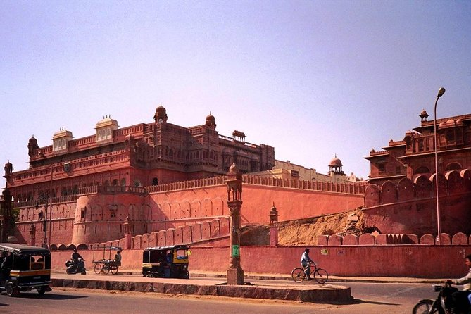 In This One Way Transfer Trip - One-Way Private Drop To Bikaner From Jodhpur with Private Transportation, Planing a Private Transportation Transfer to Destination is easy with Get Booked instantly , Check Email for Follow Up messages and get ready to go to Destination you wish to go.
