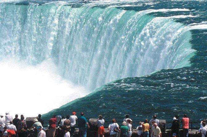 MÁS FOTOS, Low Cost - Private Arrival Transfer: Toronto Airport to Niagara Falls, Canada