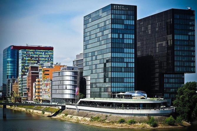 Private Düsseldorf Airport - Düsseldorf City Round-Trip Transfer, Dusseldorf, Alemanha